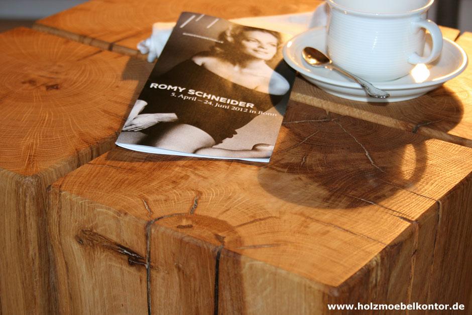 Couchtisch aus eichenbalken holzbl cken holzm belkontor for Holztisch eiche
